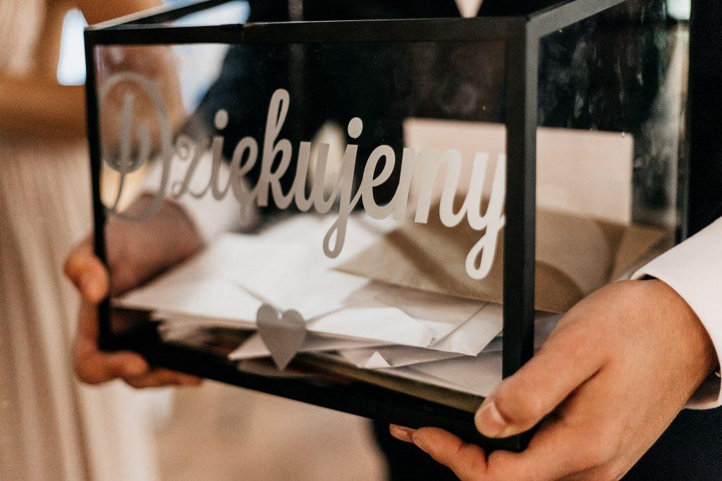 Skrzynka na koperty ślubne