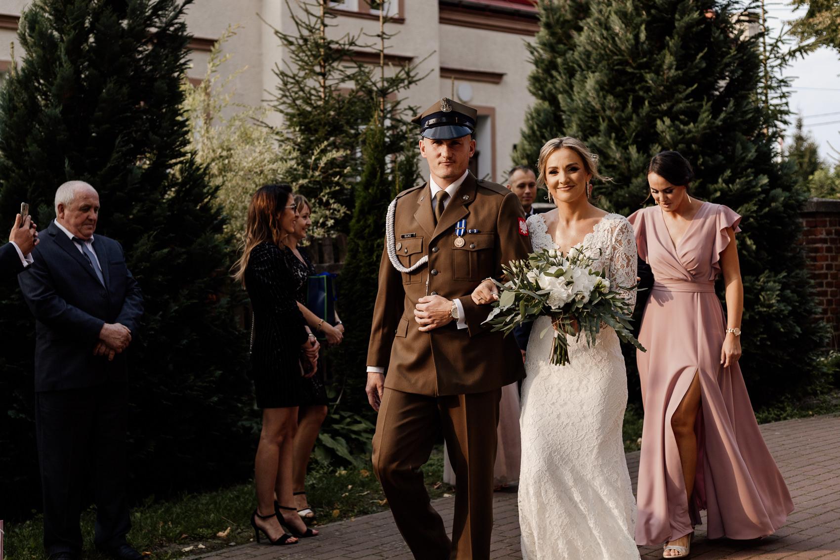 panstwo mlodzi idą do ślubu