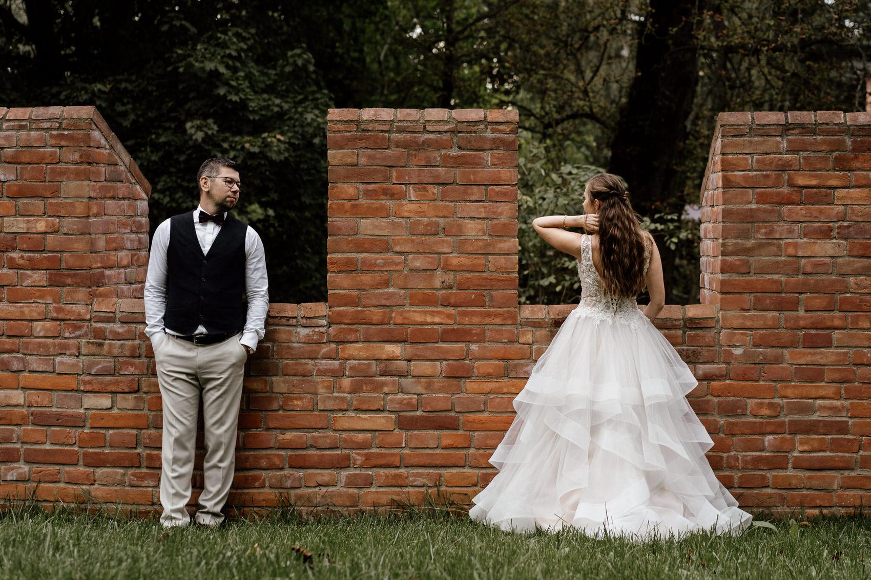 Para młoda na sesji poślubnej