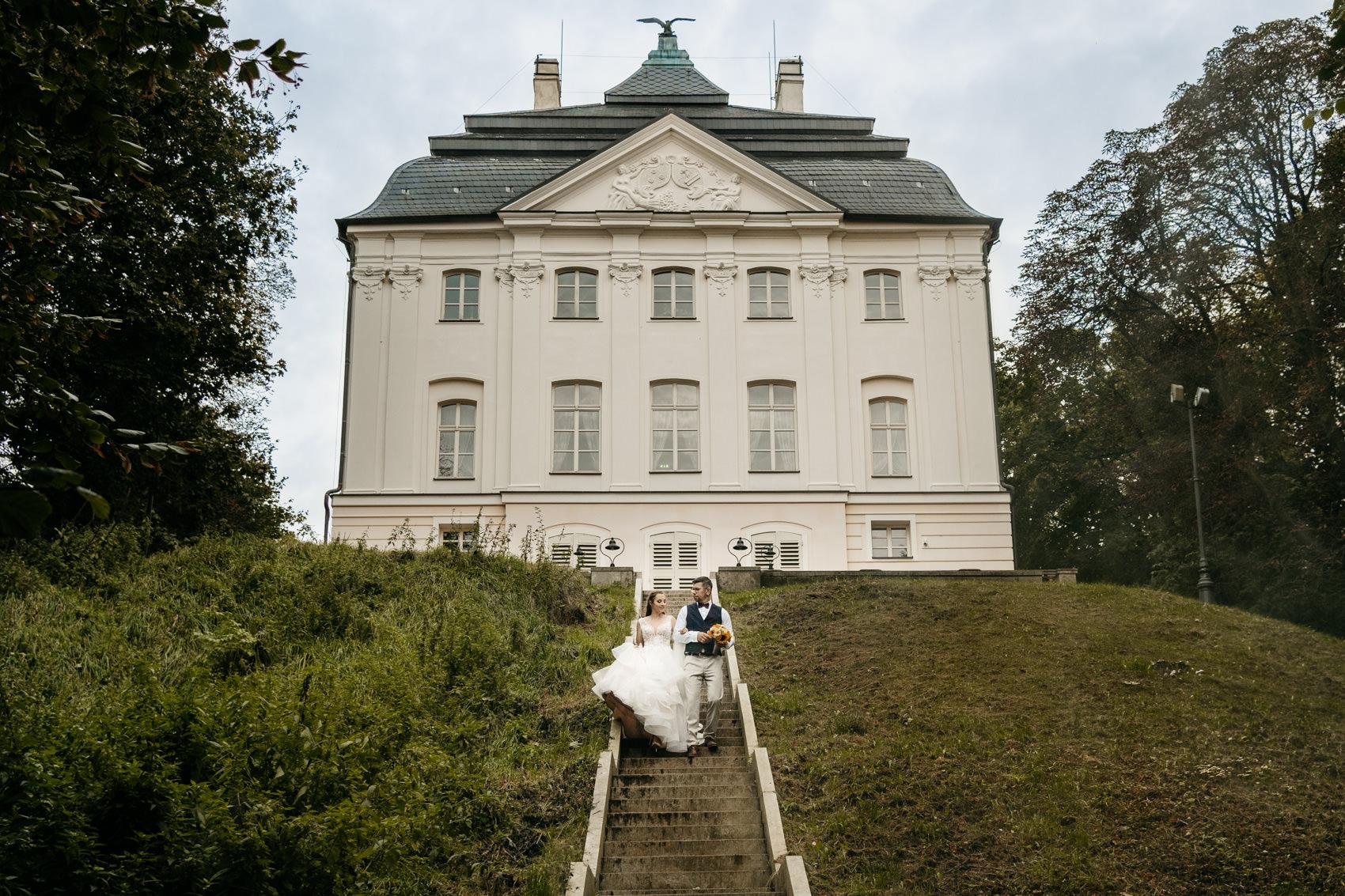 Sesja ślubna w pałacu ostromecko