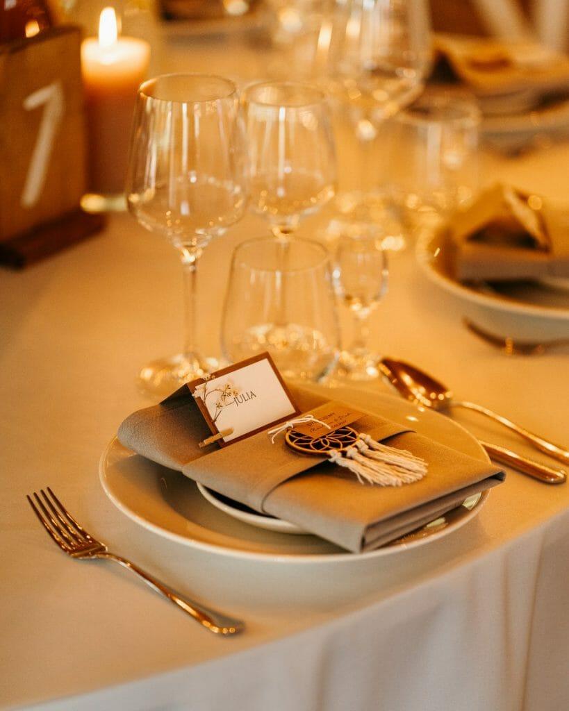 Rustykalne dodatki na wesele
